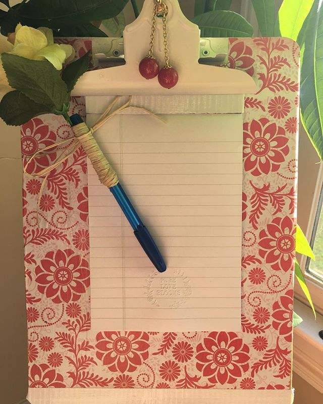 #Handmade #clipboard #upcycle #recycledfashion #ecofriendly #costumejewelry #flower #red #white #pen #notepad #foracause #teachers #administrators #foreveryone #gifts