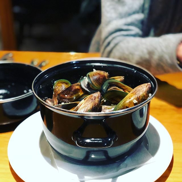 NZ Food: Green Mussels, Lamb Shank, Fish Sandwich with Prawn, Jucy Campervan Breakfast, Prawn and Chorizo Pizza, Oysters, Lamb Ribs, Bone Marrow, Yeastie Boys