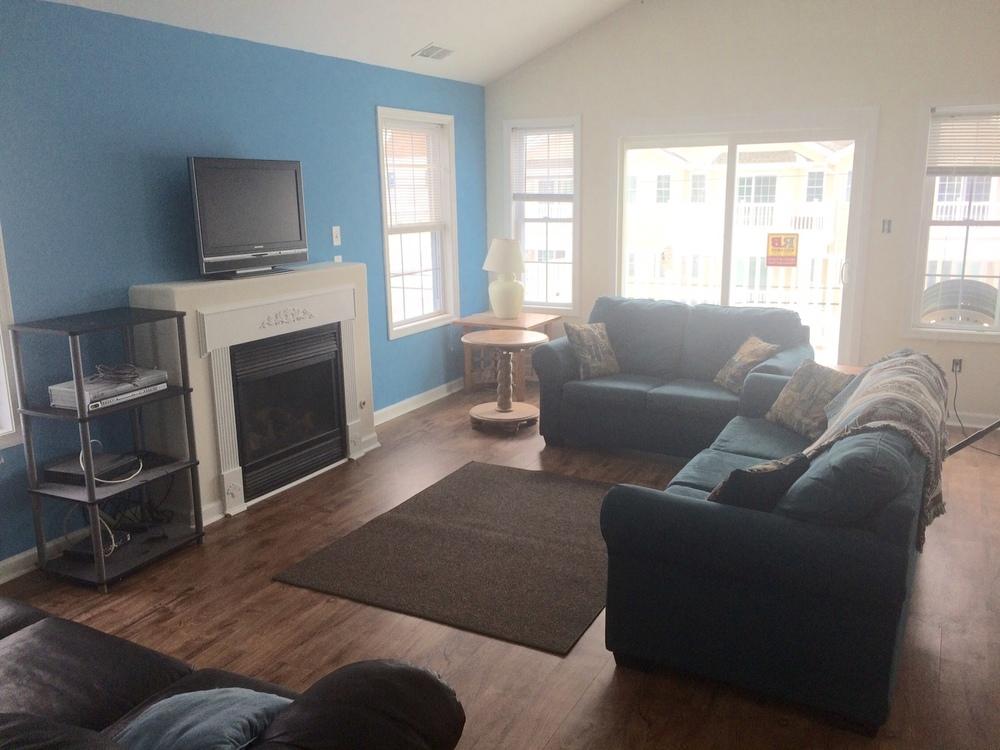 319 B E Pine Avenue - Starting at $2,000 4 Bedrooms, 2 Bathrooms, Top Floor Condo