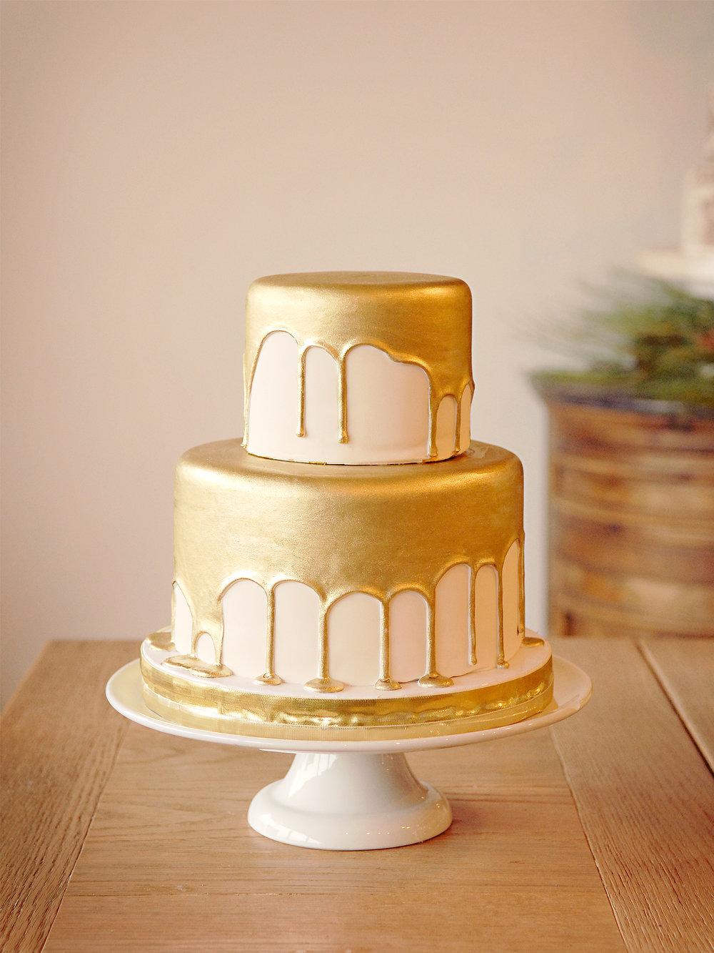 other_custom_cakes_017.jpg