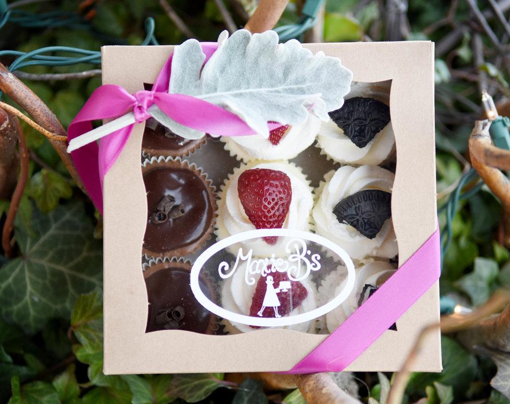 mini cheesecake box of 9.jpg