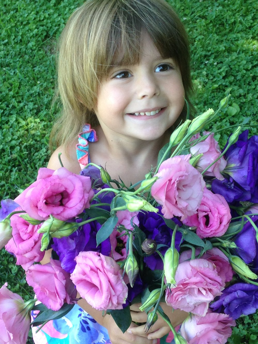 Liza with her lisianthus