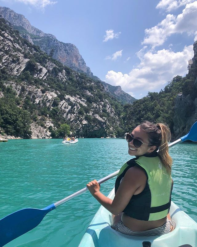One of the very best days of the trip, kayaking through Verdon Gorge! Though how much actual kayaking I did is debatable 😁 . . . . . . .  #travelgram #travelbug #traveltheworld #instatravel #traveladdict #globetrotter #travelblog #instapassport #backpacking #wanderlust #wanderer #travelblogger #travelgirl #traveldeeper #travelstoke #travelawesome #doyoutravel #passionpassport #exploringtheglobe #willjourney #glt #charmedtraveler