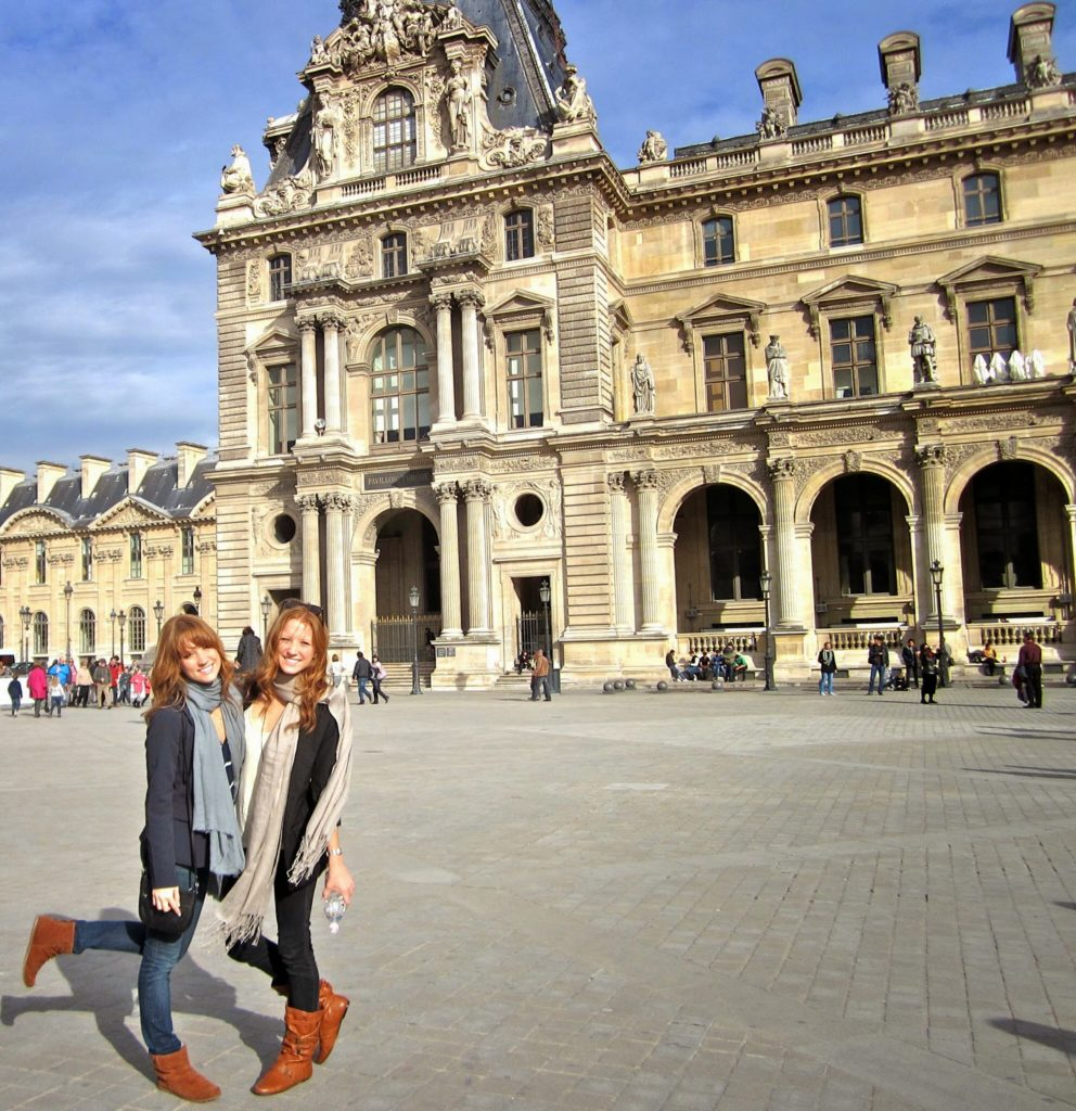 Twins in Paris at the Louvre museum