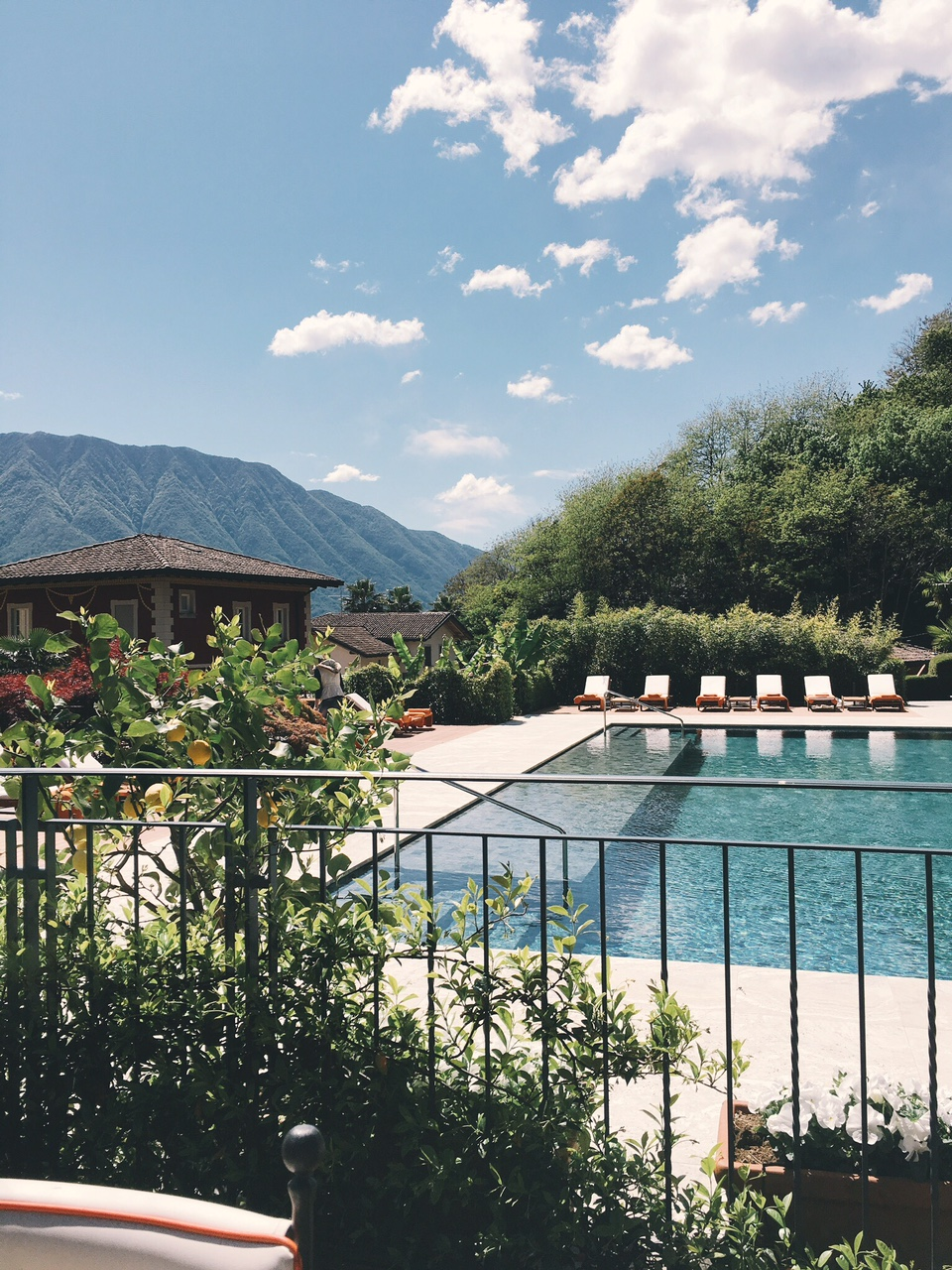 Grand Hotel Tremezzo view of pool T Pizza restaurant