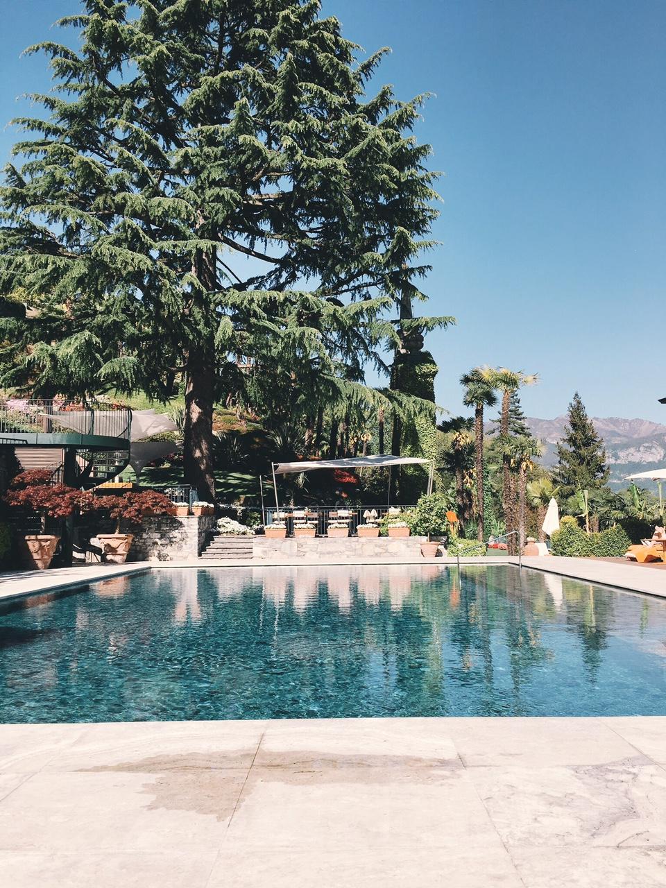 Outdoor pool infinity at Grand Hotel Tremezzo