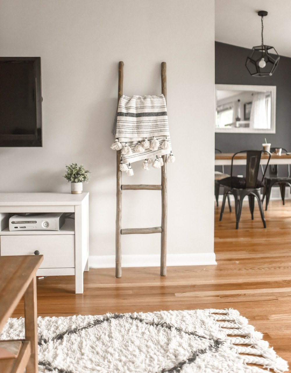 The Inspired Abode's favorites for the Lulu & Georgia big rug sale BIGDEAL for 20% off + Rug Size Guide