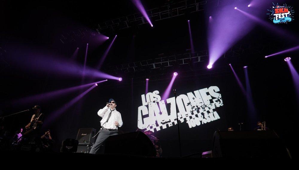 Presentación en el concierto de pepsi ska fest del 2018 de la banda LOS CALZONES foto oficiales por Photographer Alejandro Zeller Zepeda Bros Music Group Zbros Rafael Zepeda Road Crew Touring Support Pepsi Center WTC