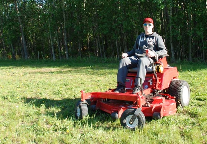 Here I am back in May with my new Country Clipper zero-turn mower, a machine so ferocious that I believe it deserves its own nickname. Please read the post below for details and a chance to vote for your preferred nickname.