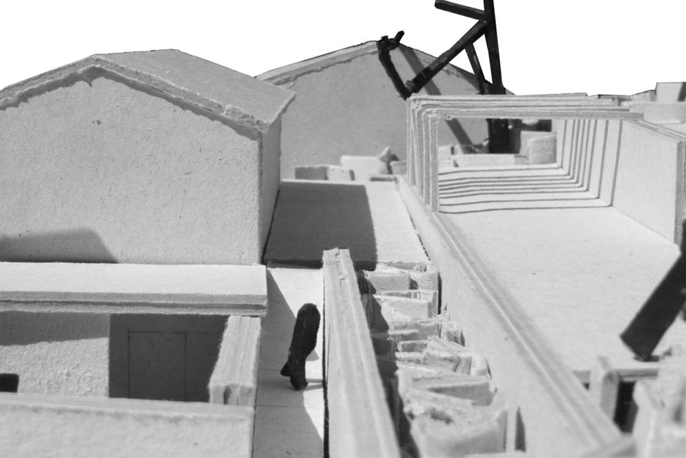 Pogled na zgornjo teraso in pergolo