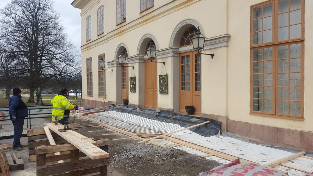 Grunden till den nya trappan som beräknas vara klar till mitten av april.