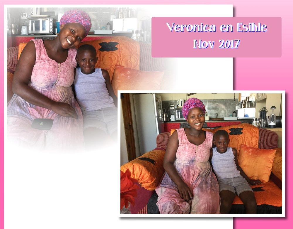Veronica met haar zoontje Esihle in haar huisje, gebouwd door de stichting in 2015