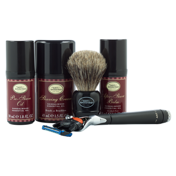 Sandalwood Gift Set With Lexington Fusion Razor