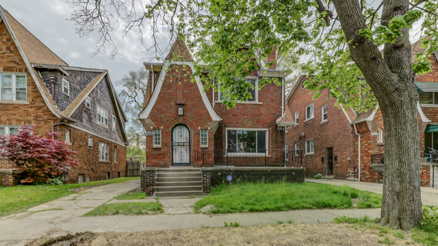 16630 Washburn, Detroit MI DUPLEX   Bagley Neighborhood    6 bedrooms, 2 bathrooms, 2170 SqFt  (Two fully contained apartments, each with 3 Bedroom, 1 bathroom, 1,000+ SqFt)   NET ROI:  11.83%   For details & photos click here >