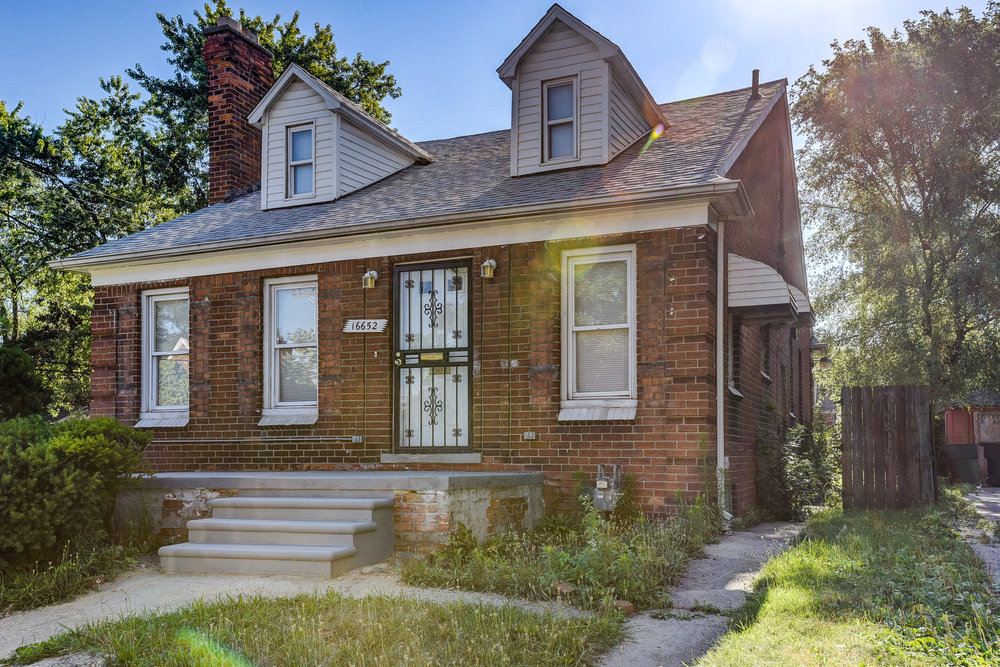 16652 Mendota, Detroit MI   Bagley Neighborhood   3 bedrooms, 1 bathroom, 1,650 SqFtTurn key real estate investment property NET ROI:  11.30%  For details & photos click here >