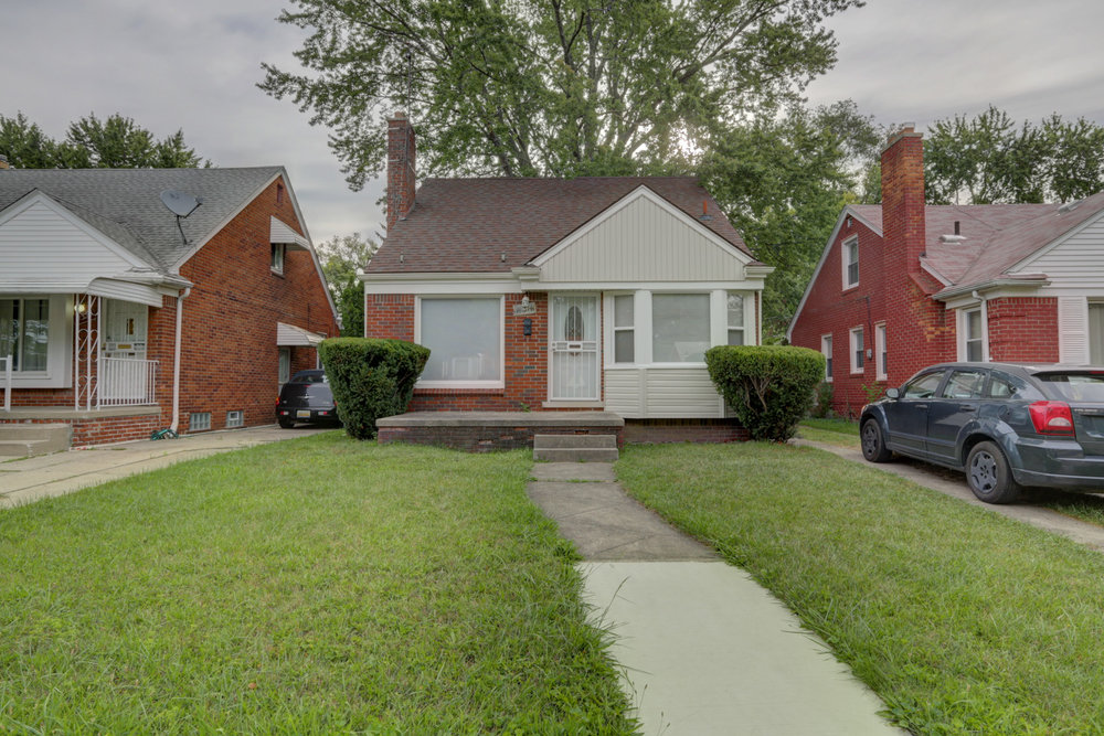 18314 Warwick, Allen Park MI   Allen Park Neighborhood   3 bedrooms, 1 bathroom, 847 SqFt Turn key real estate investment property  NET ROI:  10.41%   For details & photos click here >