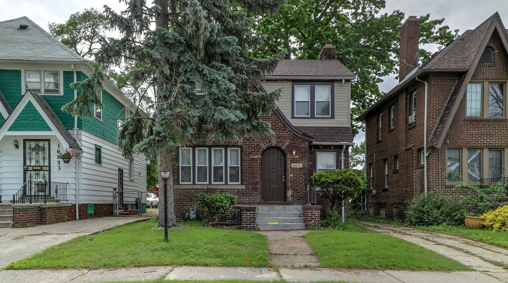 16859 Lawton, Detroit MI   Bagley Neighborhood   3 bedrooms, 1 bathroom, 1,423 SqFt Turn key real estate investment property  NET ROI:  10.30%   For details & photos click here>