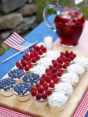 red-white-blue-cupcakes