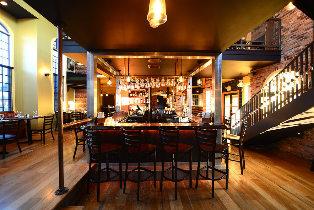 roberto's_real_american_tavern_home1.jpg