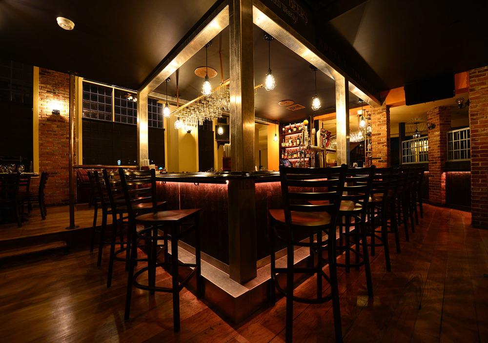 roberto's_real_american_tavern_home.jpg