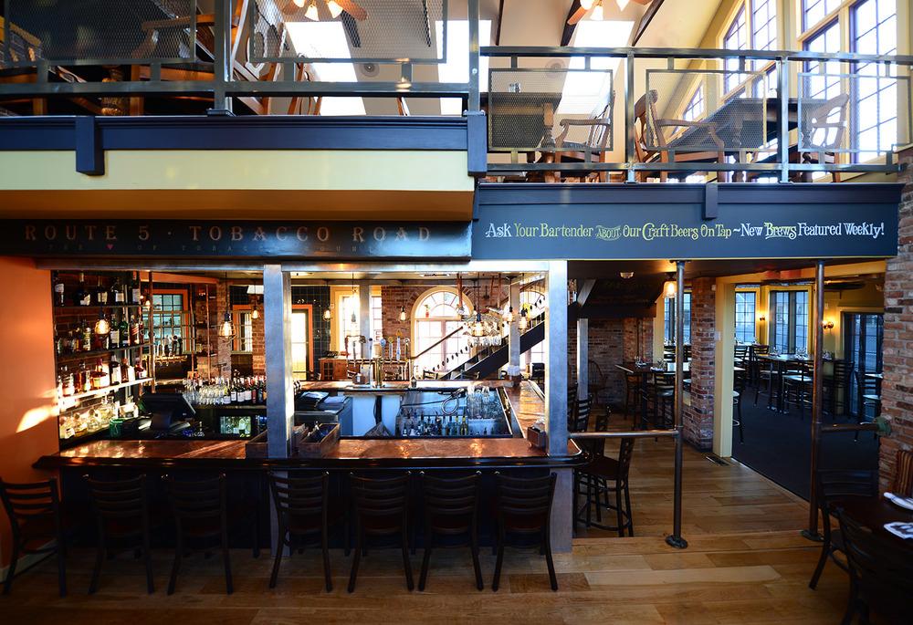 roberto's_real_american_tavern_home3.jpg