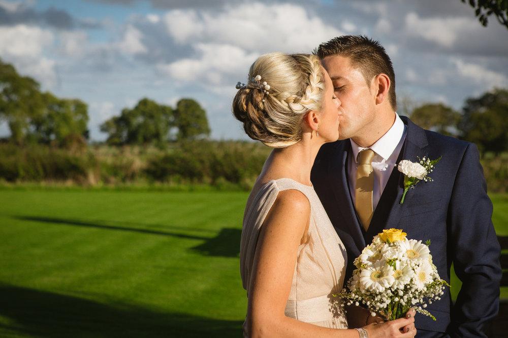charnwood_weddings_barnsdale_lodge_rutland_dave_j79ane.JPG