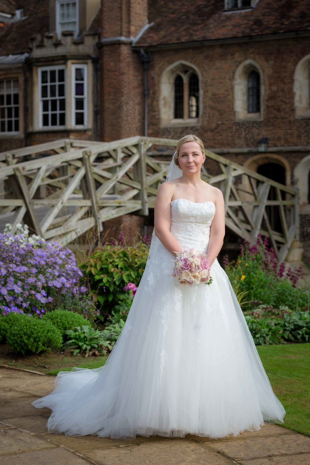 Adrian_Nicole_Charnwood_Weddings_Queens_College_Cambridge-1002.jpg