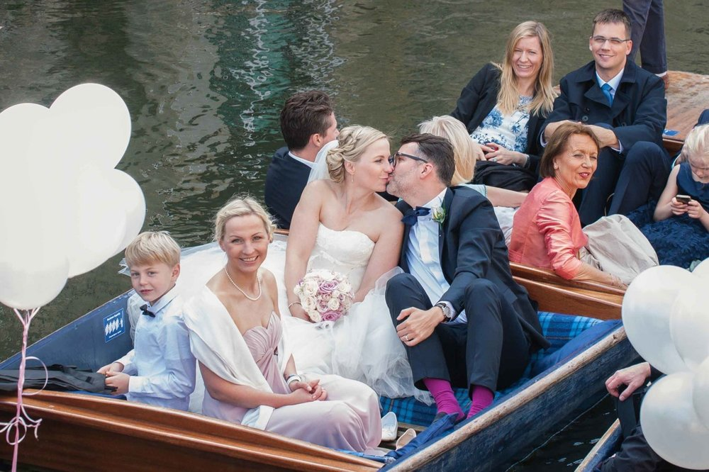 Adrian_Nicole_Charnwood_Weddings_Queens_College_Cambridge-1048.jpg