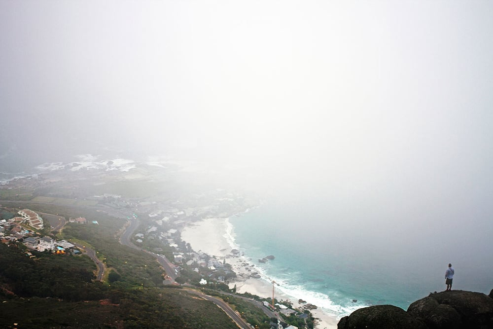 A very misty morning atop Lion's Head with #CPTNaaitz