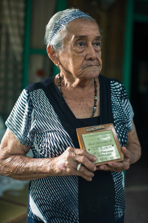 """En 1986 el Instituto Nacional de la Mujer (INAMU) le otorgó el título de """"Mujer del Año"""", por su trabajo en la defensa de los derechos del género femenino."""