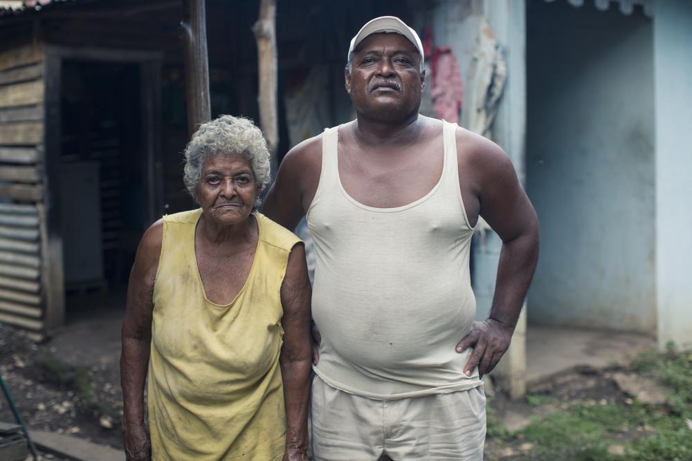 Don Emilio y su madre, pocos de los veteranos de la pesca que quedaron en Puerto Jesús.