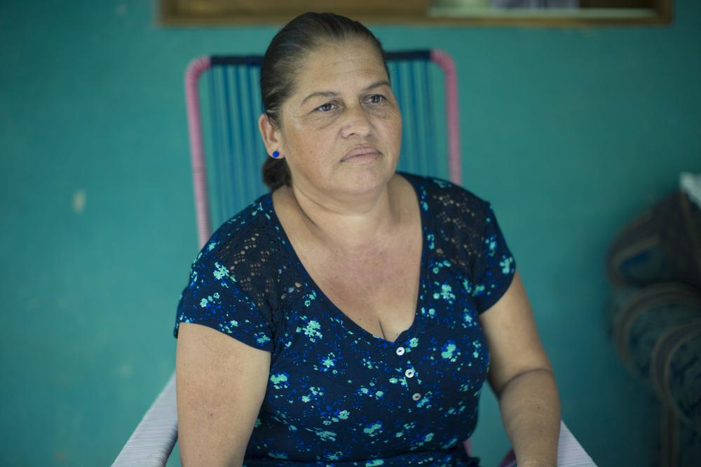 Doña María Lidieth Ortega, vice-presidenta de la Asociación de Pescadores de Puerto Pochote, añora los años en que su familia vivía plenamente de la pesca, algo imposible hoy para muchos en el Golfo de Nicoya.