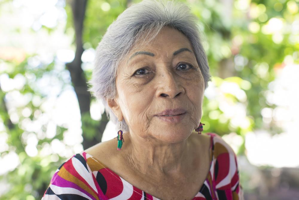 Doña Rafela Gutiérrez, presidenta del Grupo de Adultos Mayores Aires del Golfo, sigue los pasos de su padre como líder comunal.