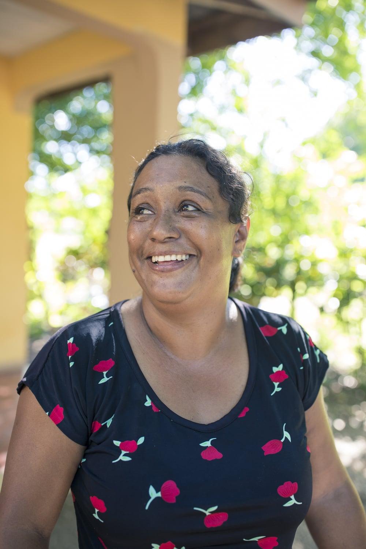 Aún enfrentando discriminación, doña Yamileth sigue buscando las mejores alternativas para seguir manteniendo a su familia junto a su esposo.