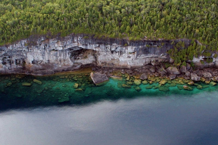 Niagara Escarpment in Tobermory, Ontario (Photo:  Tobermory.com )