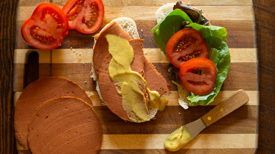 Bologna Sandwich by The Herbivorous Butcher