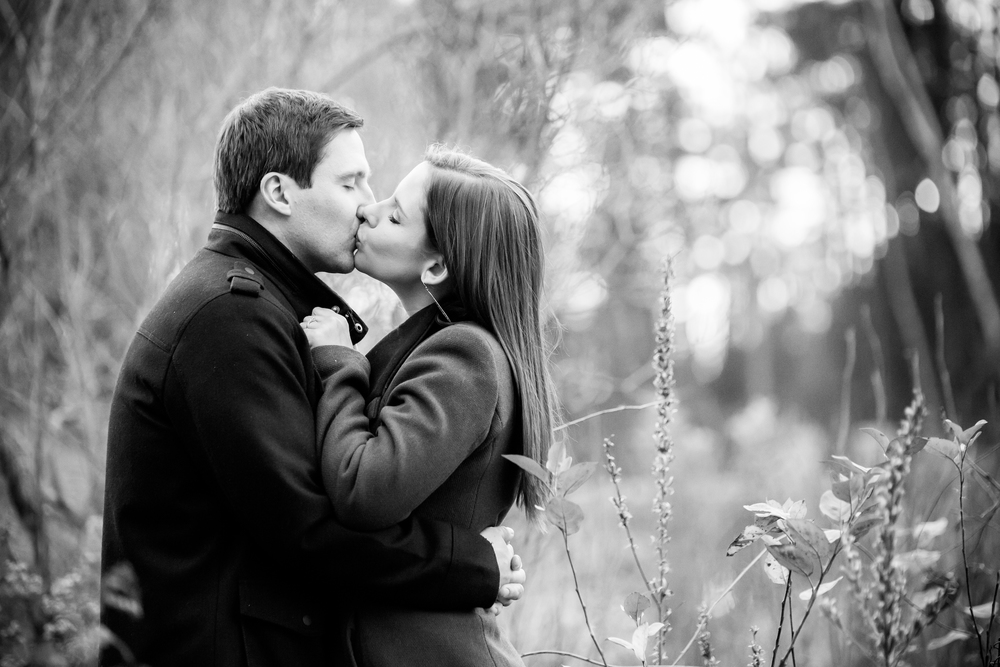 couple kissing | nh wedding coordinator