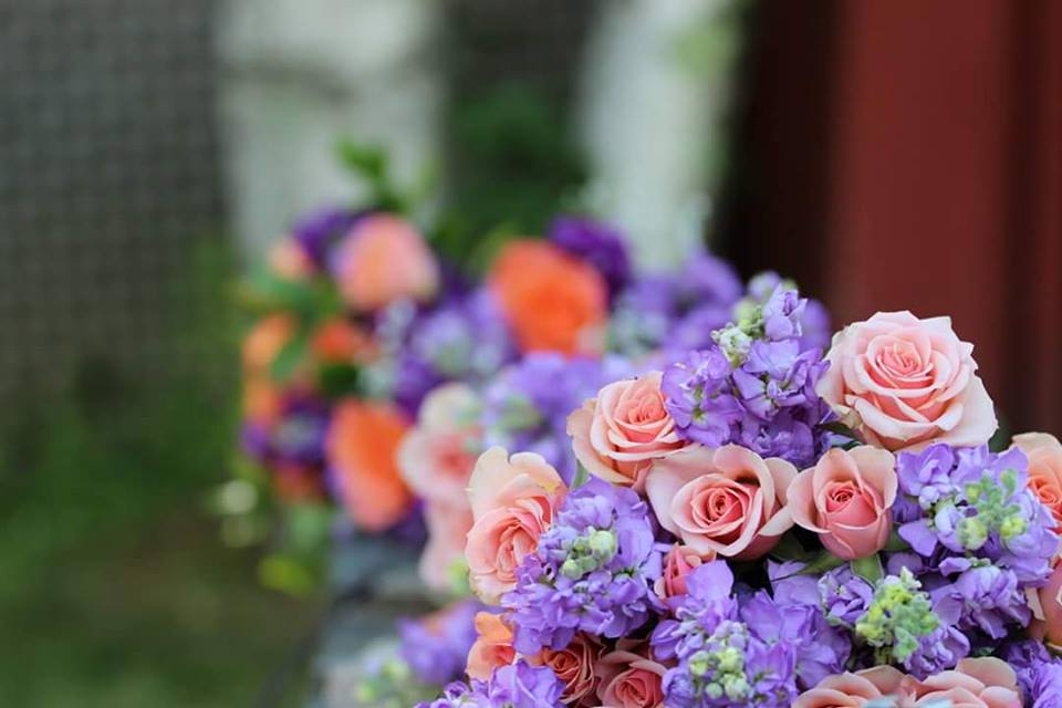 lilac and peach wedding bouquet