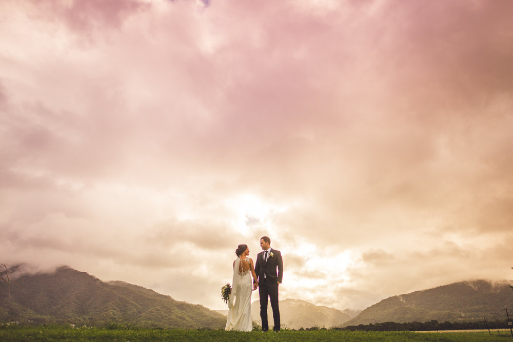 stormy sky palm cove wedding couple