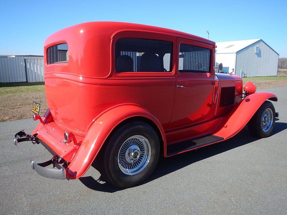 1931 Pontiac Sedan 03.jpg