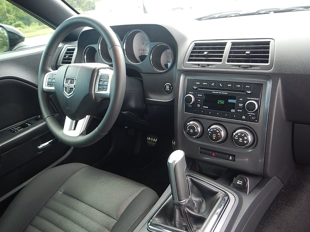2013 Dodge Challenger 078.jpg