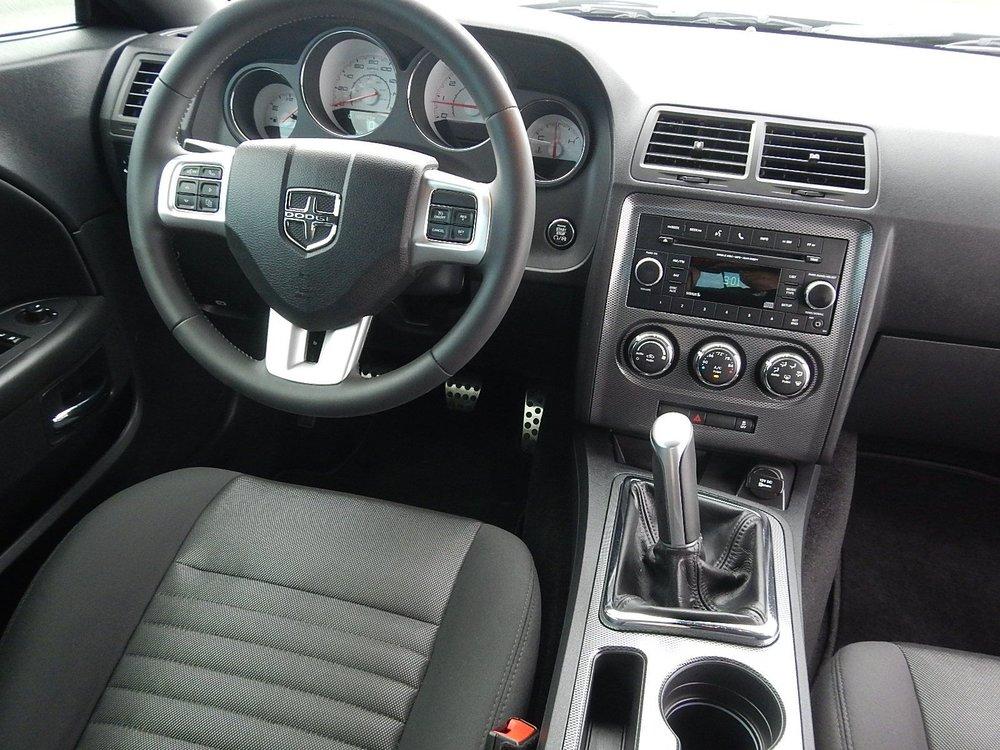 2013 Dodge Challenger 085.jpg