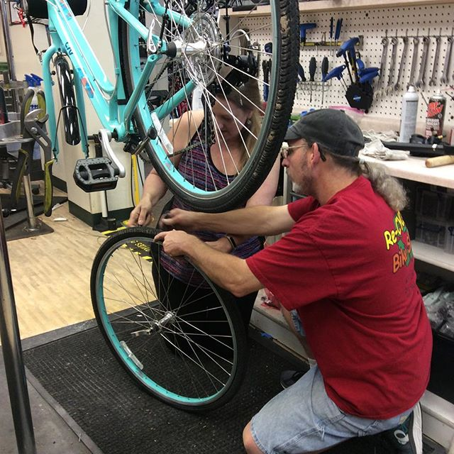 Customer training time#recyclebicycle #bikelife #bikelocal
