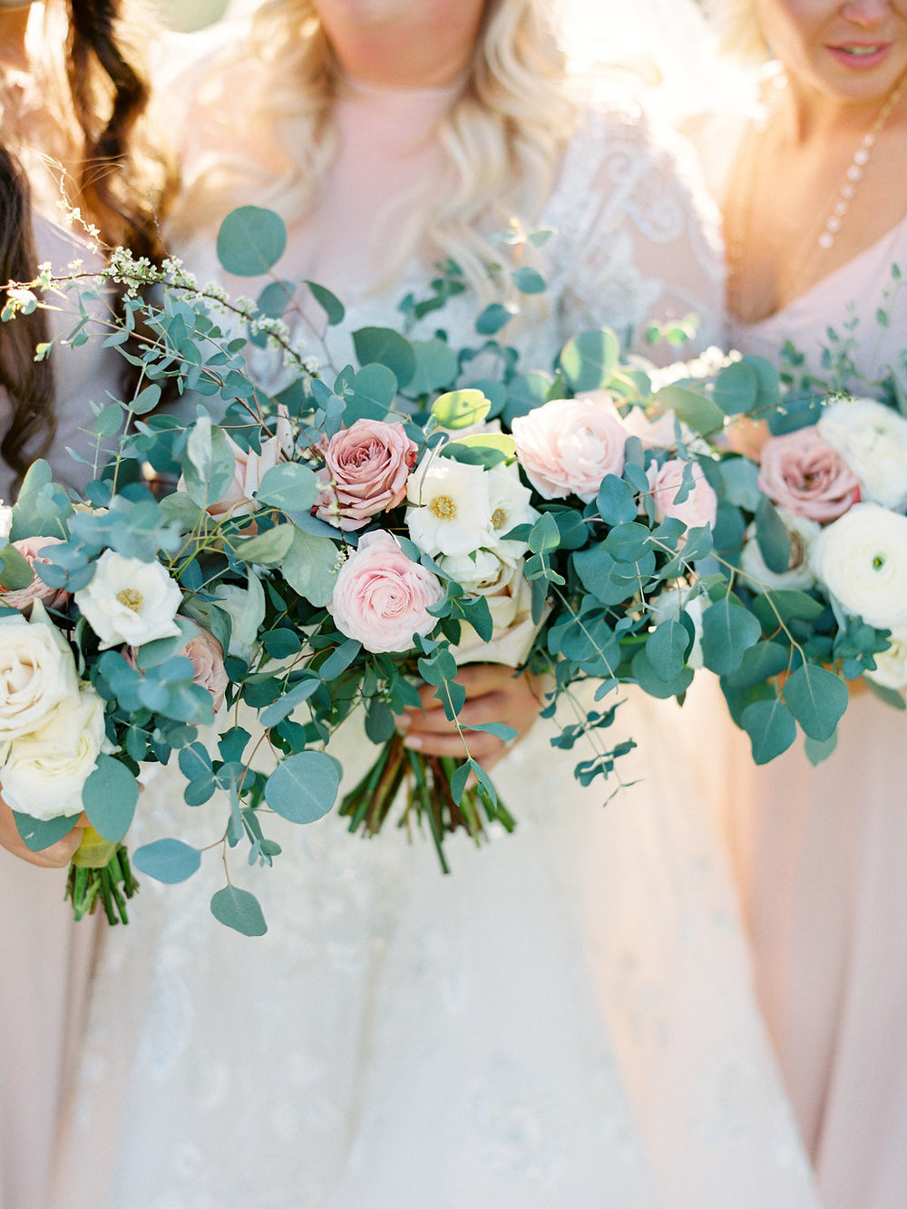 Blush wedding Flowers.jpg