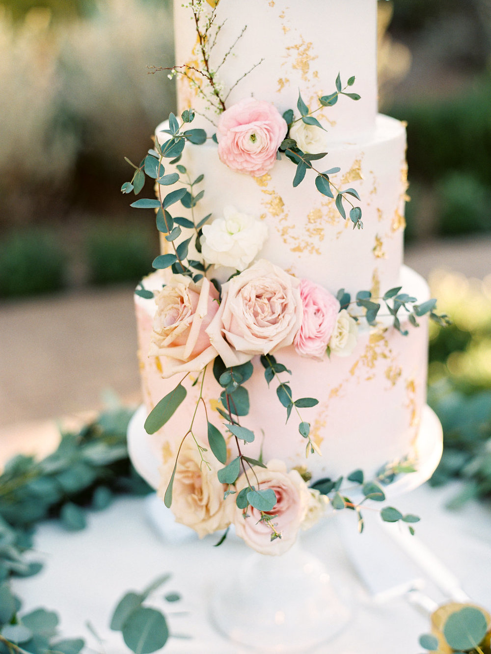blush wedding cake.jpg