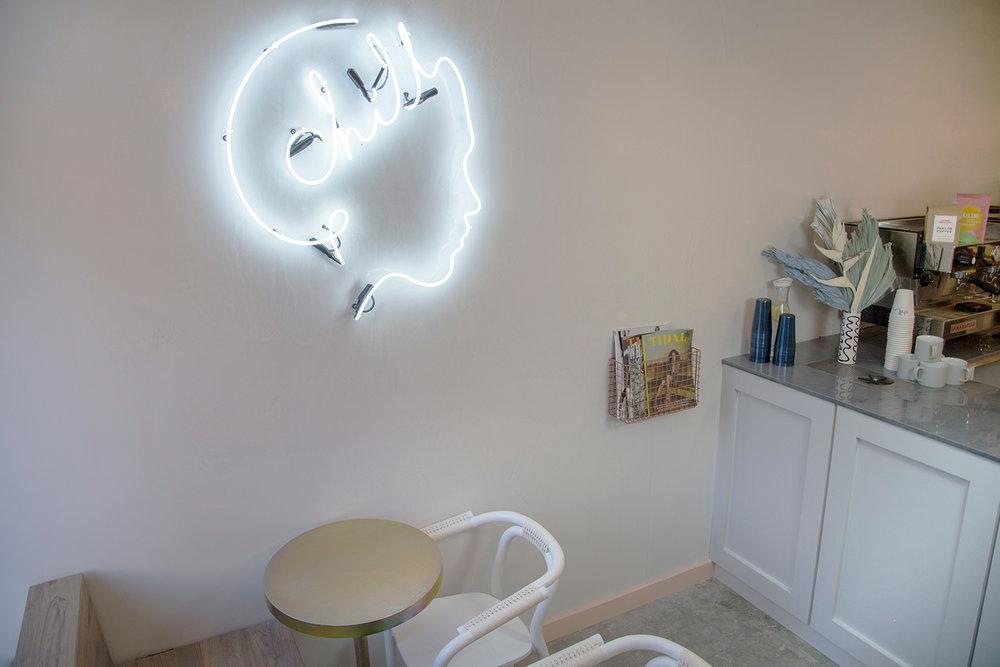EAU-chillhouse-neon.jpg