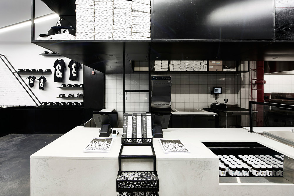EAU-&Pizza-Astor-counter-front.jpg