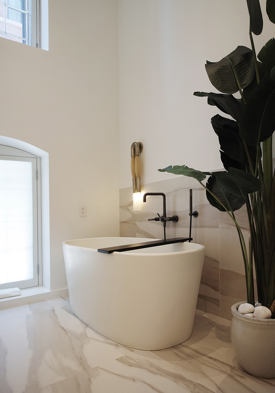 EAU-tribeca-loft-master-bathroom-tub.jpg