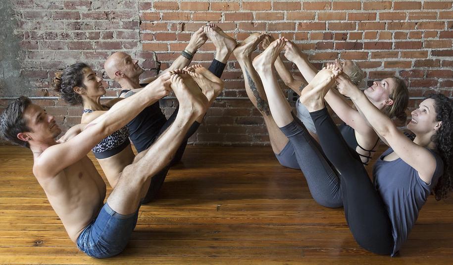 Yoga Teachers Group Navasana