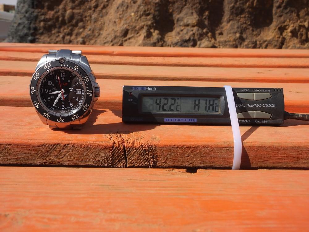 De temperatuur is flink toegenomen: ruim 40 graden in de zon om half 9 's ochtends.